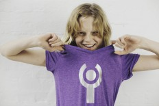 Hanne Gaby Odiele In InterACT T Shirt  2 Akt.