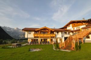 Sommer-Ansicht-Hotel